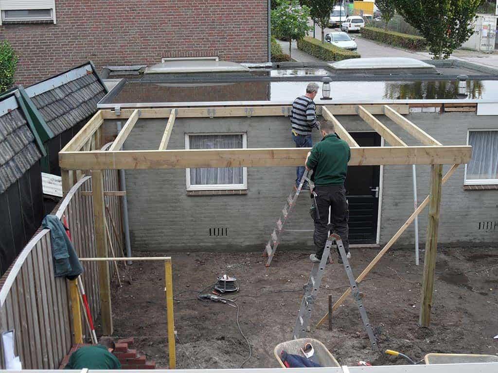plaatsen balklaag voor een overkapping tuinoverkapping in Tilburg ...