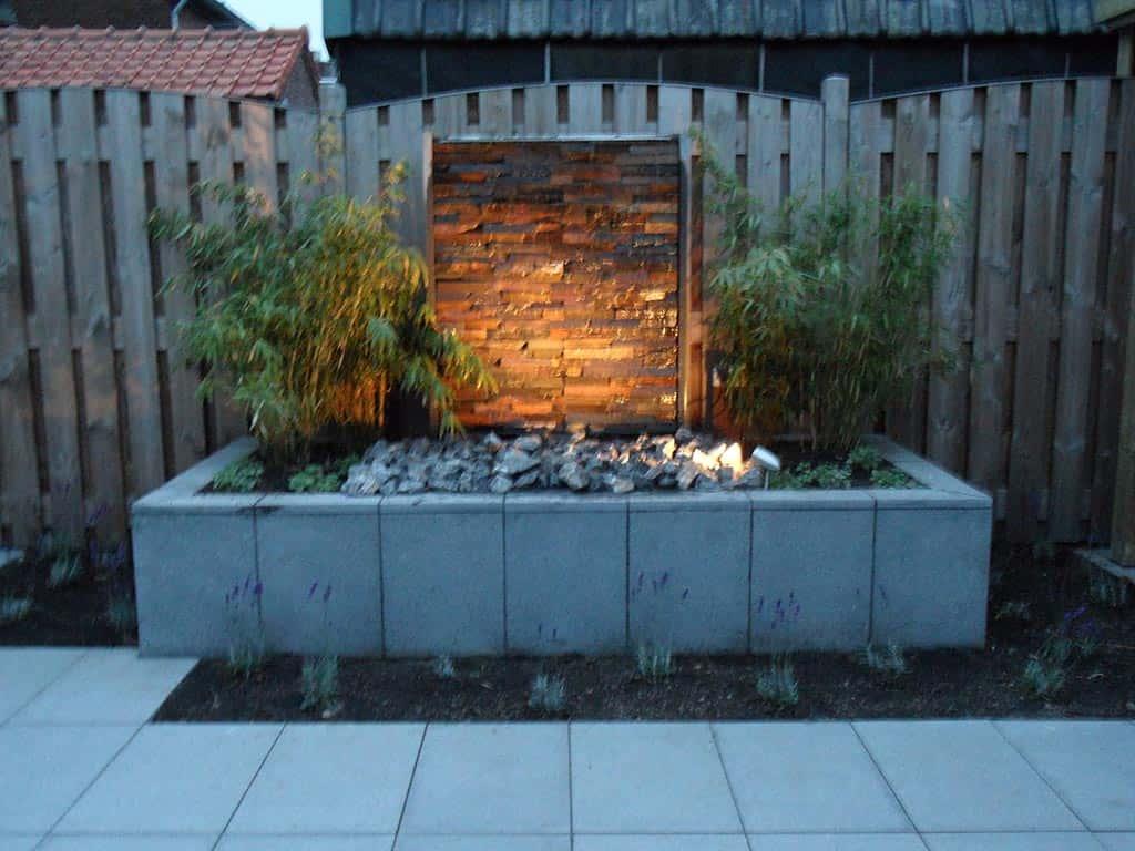 A van spelde hoveniers modern design waterelement en in de tuin - Modern muur steen ...