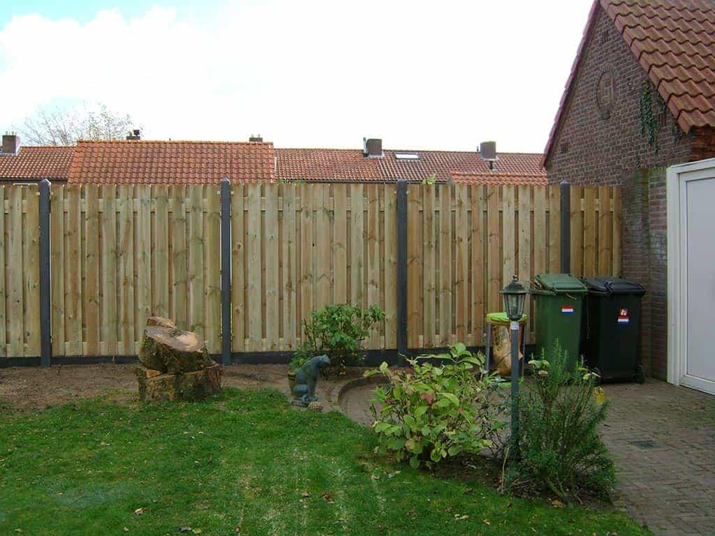 A van spelde hoveniers tuin schutting plaatsen in best for Schutting tuin