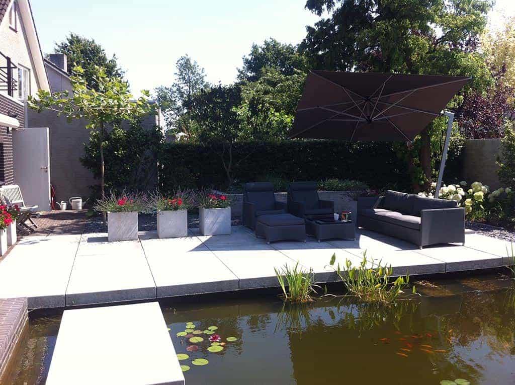 A van spelde hoveniers moderne strakke design tuin bij for Moderne tuin aanleggen