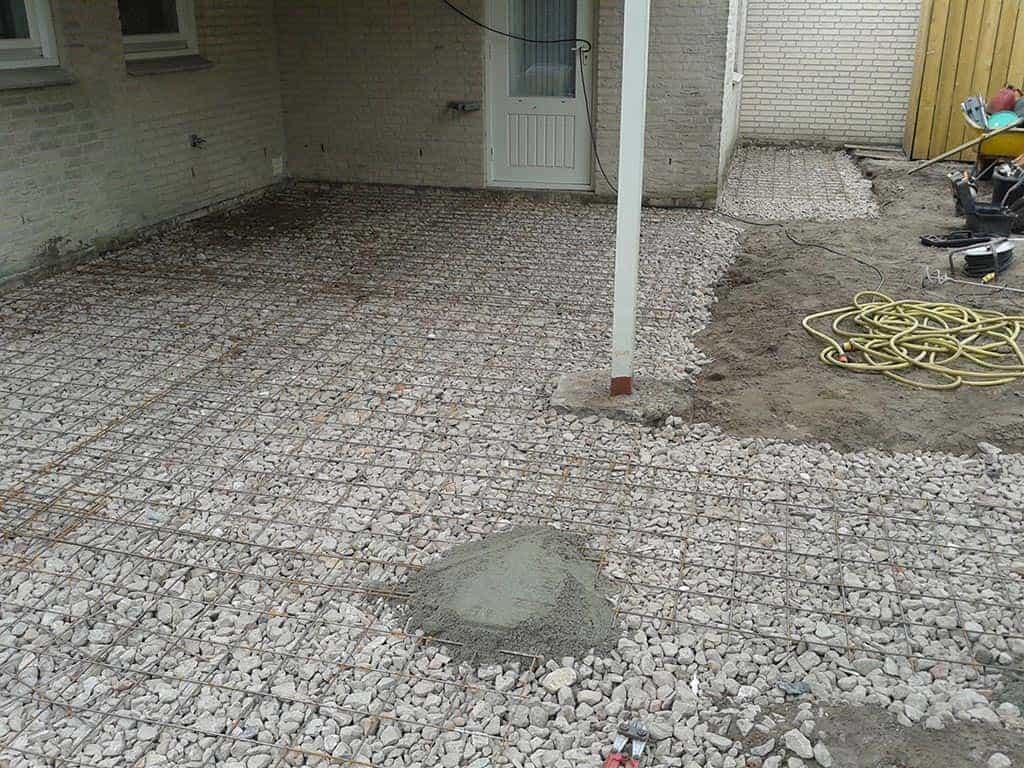 A van spelde hoveniers renovatie complete tuin tuinbestrating met keramische tegels - Keramische vloeren ...