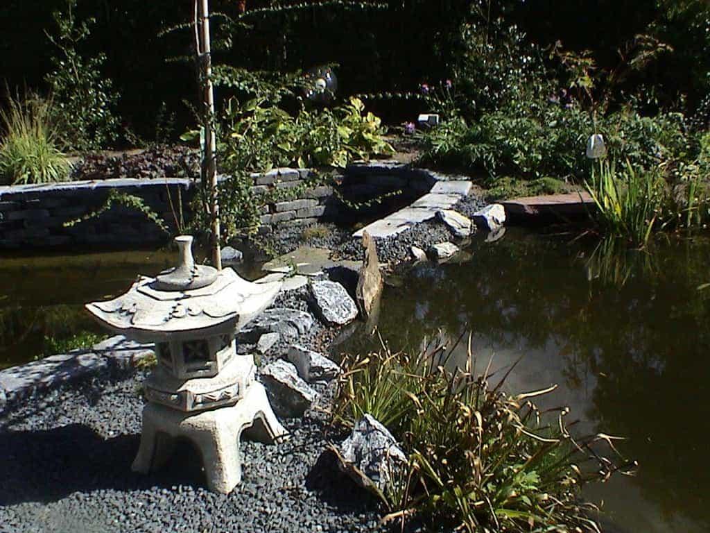 A van spelde hoveniers ronde vijver for Waterval vijver aanleggen