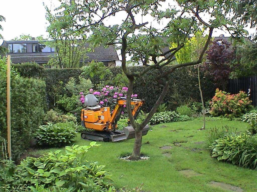 A van spelde hoveniers mooie losse vormen in de tuin - Tuin van de tuin ...