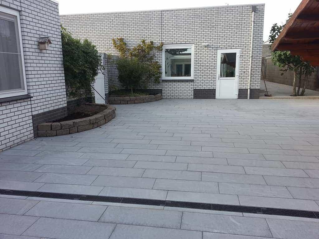 A van spelde hoveniers natuursteen voor buiten in de tuin - Foto van het terras ...
