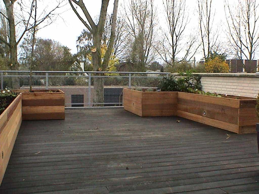 A van spelde hoveniers hardhouten bloembakken op dakterras - Bamboe in bakken terras ...