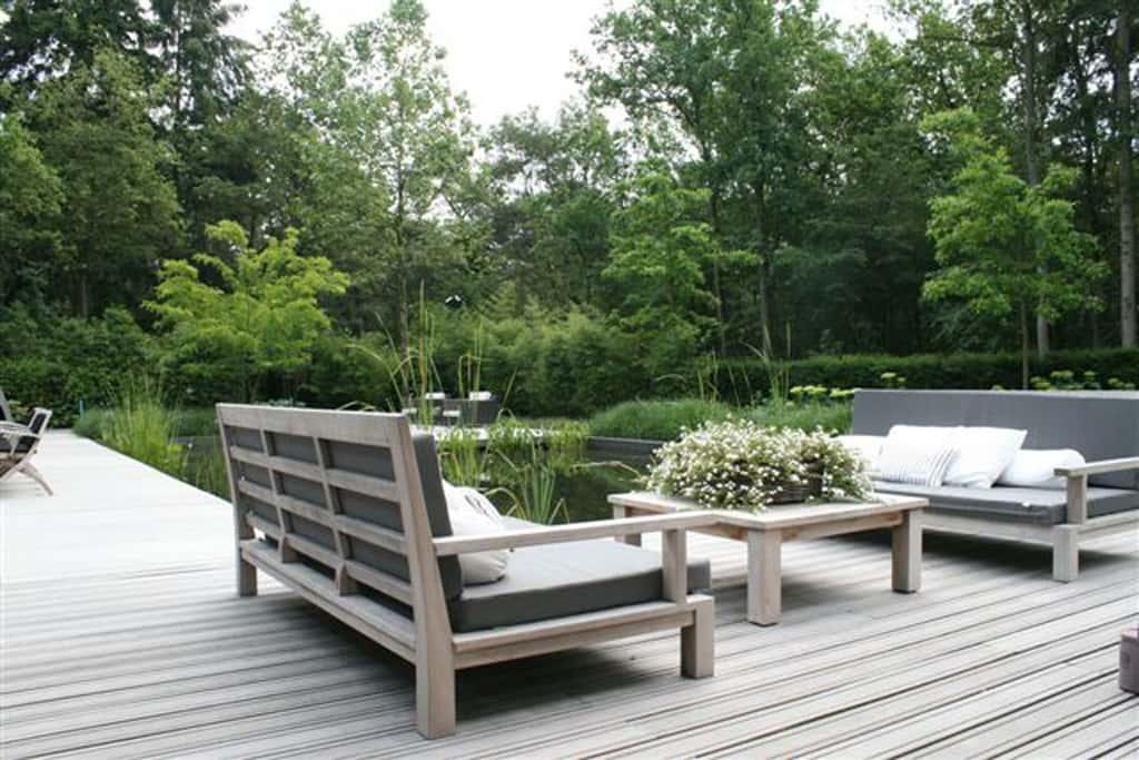 Terrasbeplanting met glazen zwembad geweldig idee