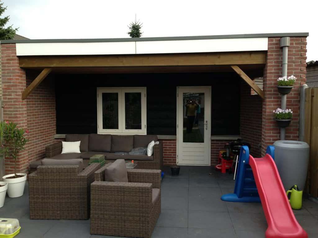 Tuinhuis met potdeksel planken