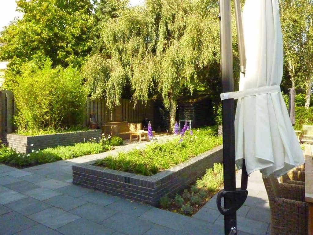 Praktische moderne tuin tuintuin for Tuin decoratie met stenen