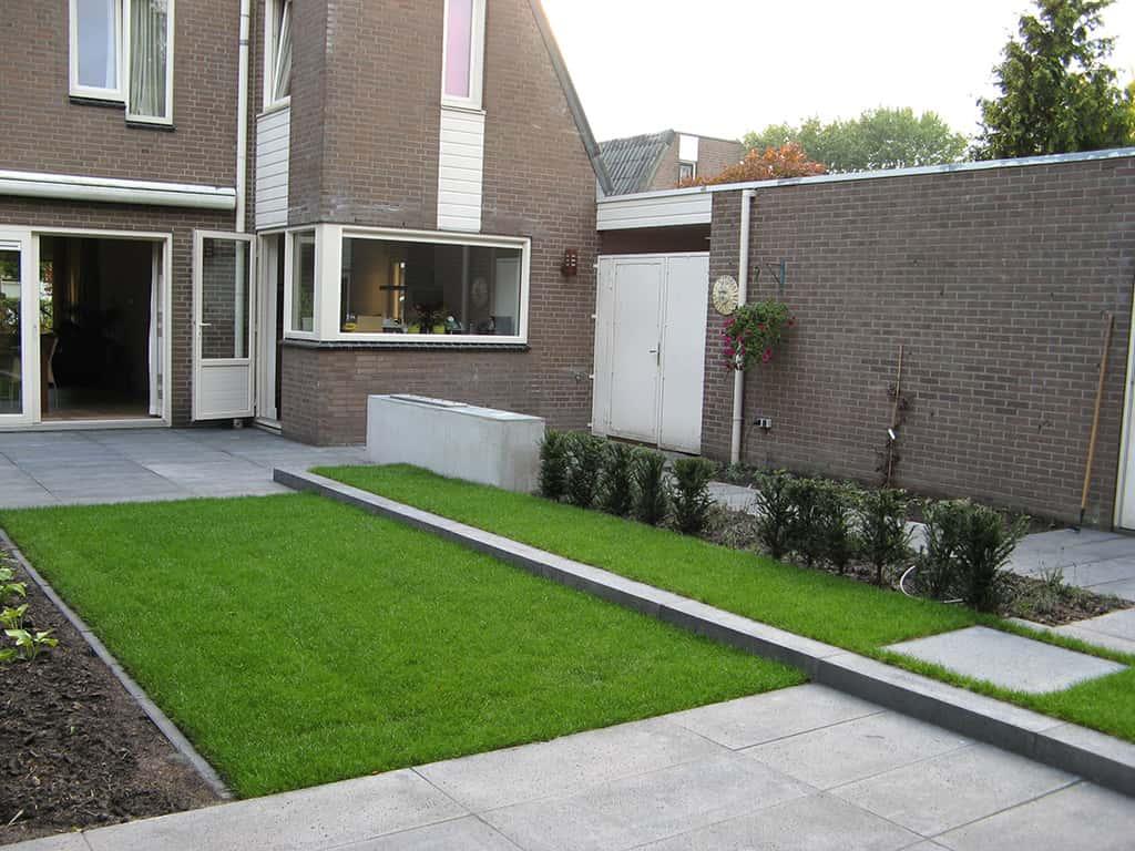 A van spelde hoveniers tuinontwerp tuin in oisterwijk met schellevis tegels - Tuin ontwerp foto ...