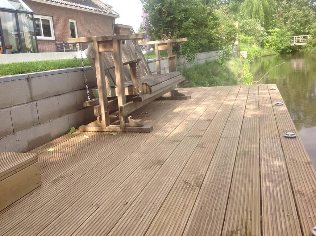 A van spelde hoveniers tuin aanleg tilburg - Houten terras en tegels ...