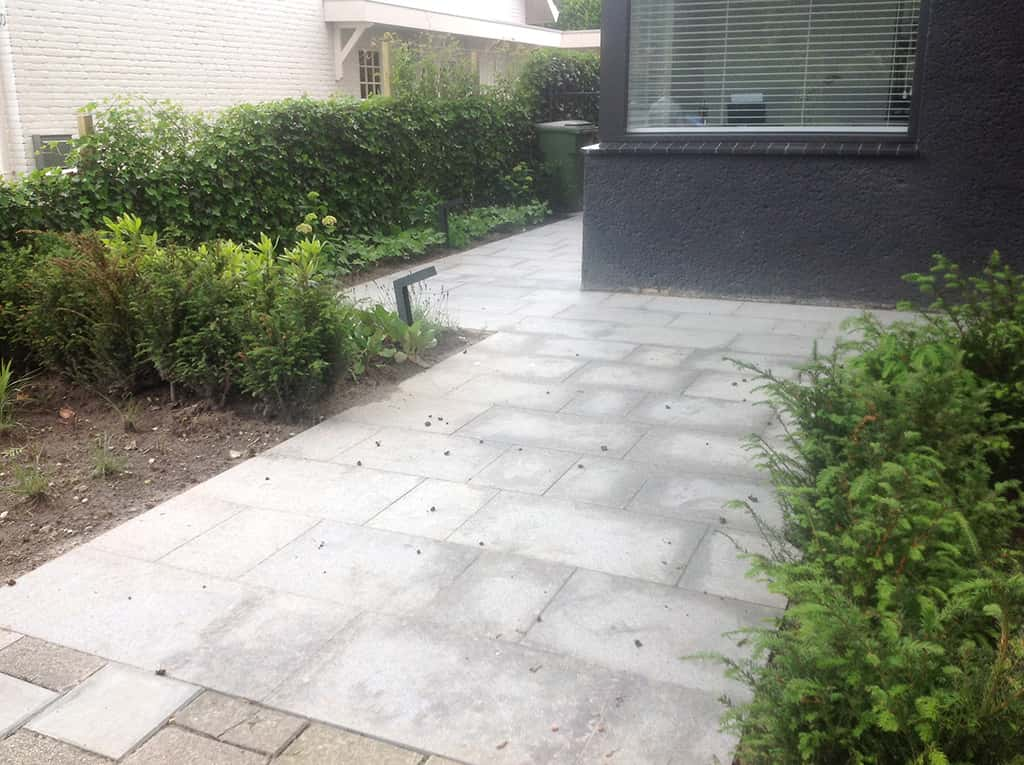 A van spelde hoveniers tuin met natuursteen in berkel enschot for Foto s voortuinen